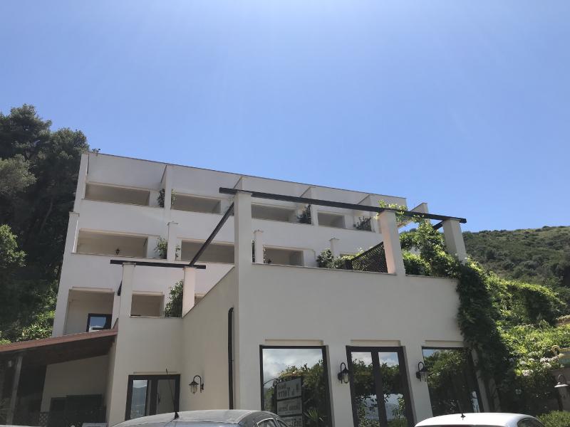 hotel-esterno